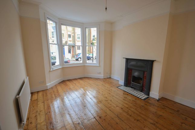 1 bed flat to rent in Kenwyn Road, Clapham