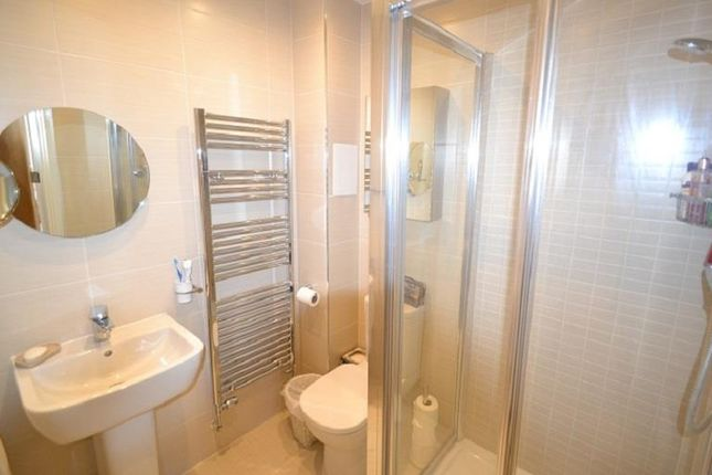 En-Suite - Copy of Cornwell Close, The Village, Buntingford SG9