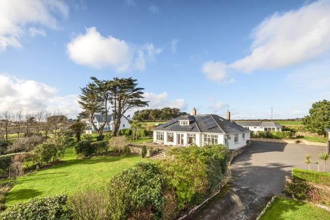 Thumbnail Bungalow for sale in Germoe, Penzance, Cornwall