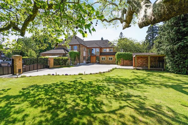 Thumbnail Detached house for sale in Ashley Park Avenue, Walton-On-Thames
