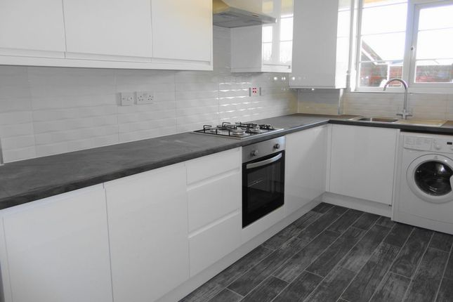 Thumbnail Flat to rent in Woodstock Court, Lee