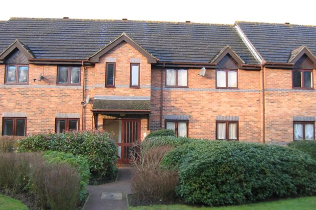 Thumbnail Flat to rent in Rosedale, Aldershot, Hampshire