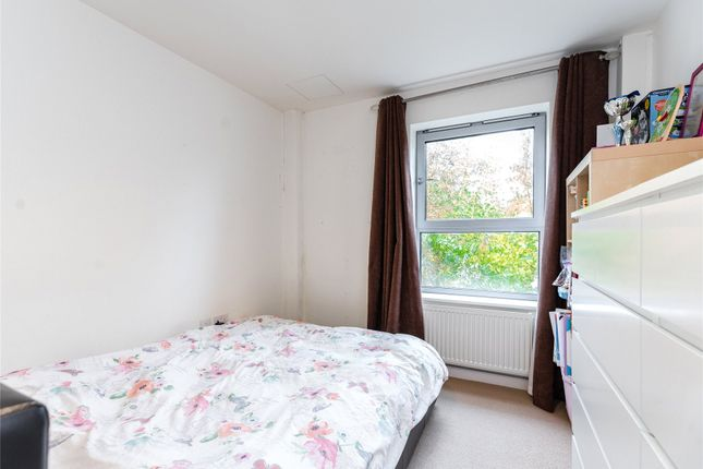 Bedroom of Kingswood Heights, Queen Mary Avenue, London E18