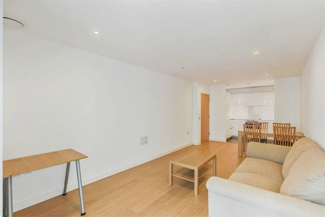 Thumbnail Flat to rent in Keats Aparmtments, Saffron Central Square, Croydon, Surrey