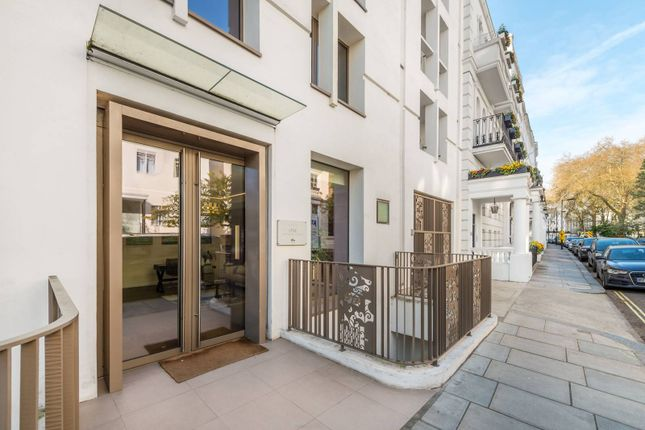 Thumbnail Flat for sale in Westbourne Gardens, Notting Hill, London