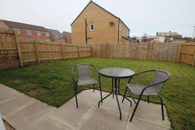 Picture No. 13 of Friarwood Avenue, Pontefract, West Yorkshire WF8