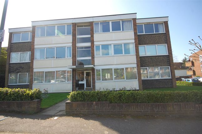 2 bed flat to rent in Arundel Lodge, Salisbury Avenue, Finchley, London