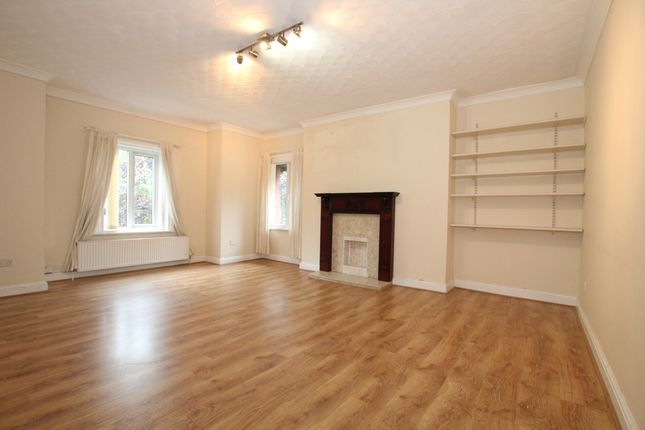 Thumbnail Flat to rent in Bramhall Road, Liverpool