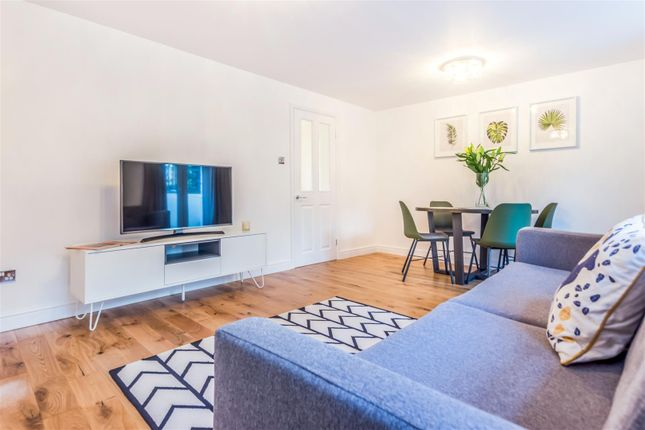 Thumbnail Flat for sale in Grove Lane, Camberwell