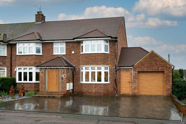 Thumbnail Semi-detached house for sale in Cangels Close, Boxmoor