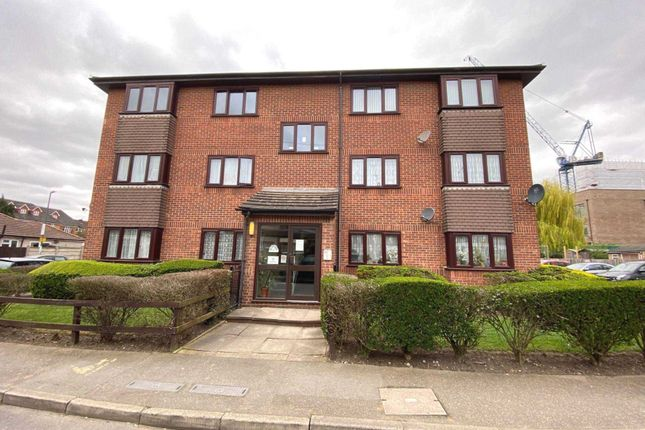 Flat for sale in The Nursery, Erith