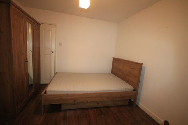 Thumbnail End terrace house to rent in Pitfield Street, Hoxton