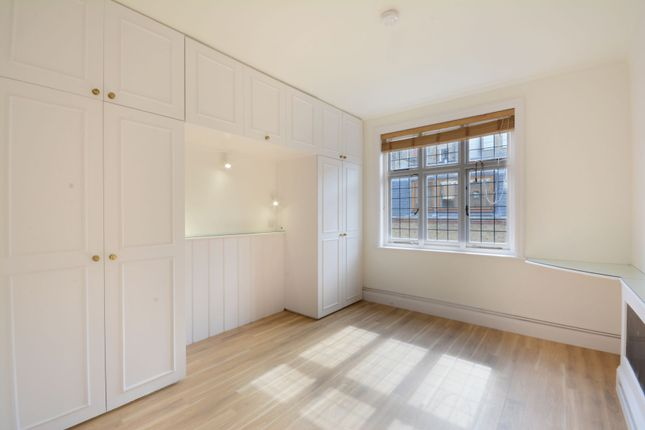Thumbnail Mews house to rent in Devonshire Close, London