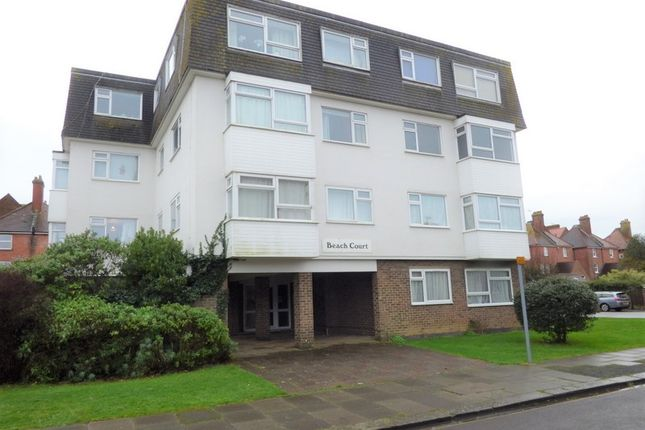 Thumbnail Flat to rent in Irvine Road, Littlehampton
