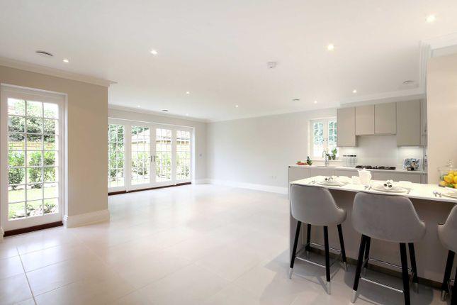 Thumbnail Flat for sale in Broadoaks Park Road, West Byfleet, Surrey