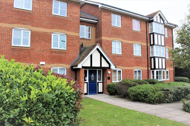 Thumbnail Flat for sale in Redwood Gardens, Waltham Forest, London