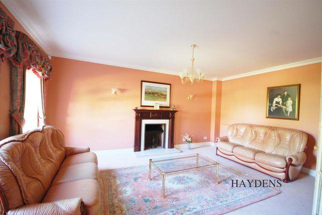 Lounge of Mallow Walk, St. James Road, Goffs Oak EN7