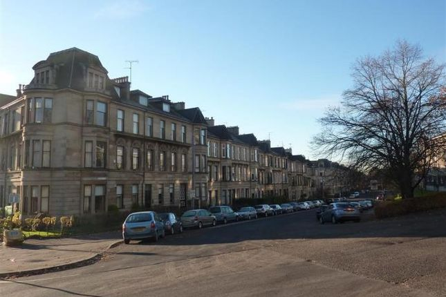 2 bed flat to rent in Broomhill Terrace, Glasgow