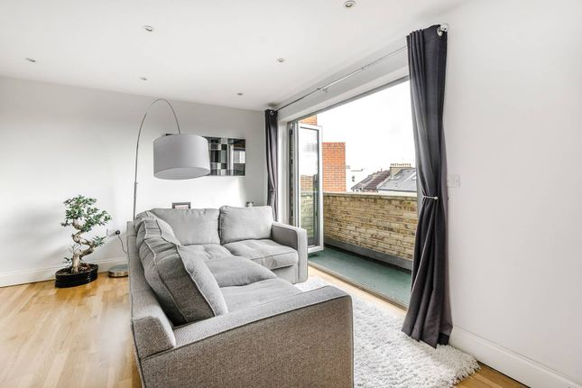 2 bed flat for sale in Hartfield Road, Wimbledon