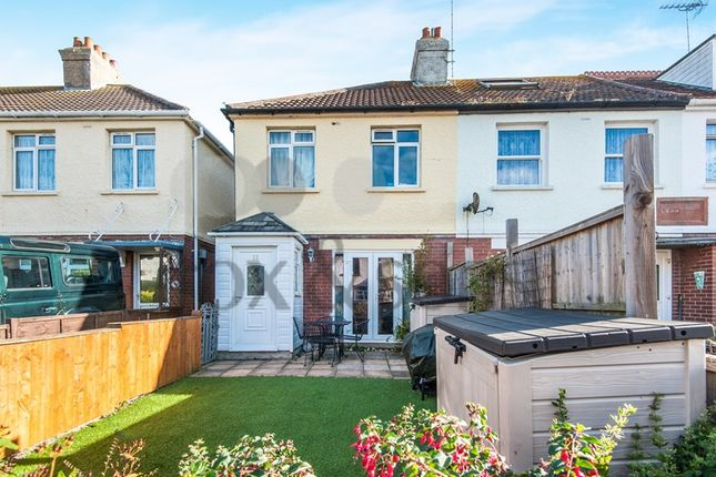3 bed end terrace house for sale in Lym Close, Lyme Regis
