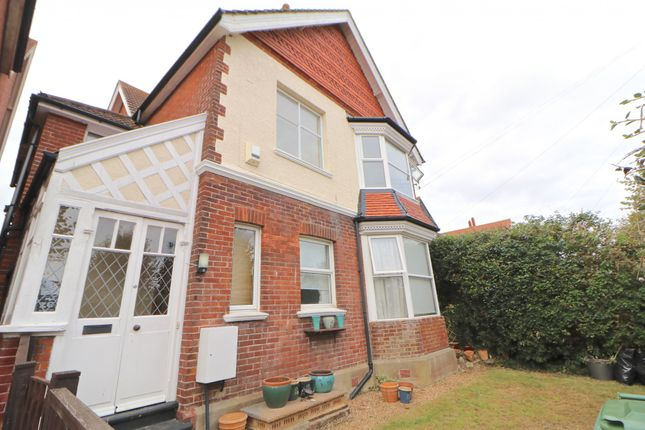 Thumbnail Flat to rent in Colebrooke Road, Bexhill-On-Sea, East Sussex