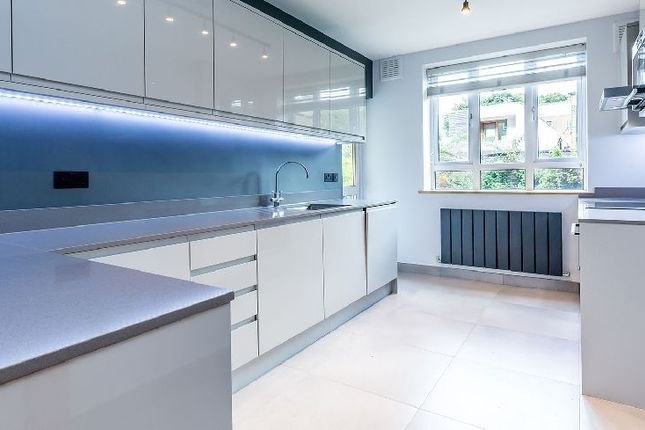 2 bedroom flat to rent in Great Percy Street, London