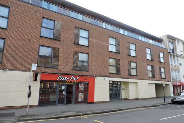 Thumbnail Flat to rent in Castle Street, High Wycombe