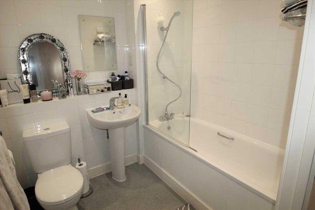 Bathroom of Leven Court, 2 Barnard Square, Ipswich IP2