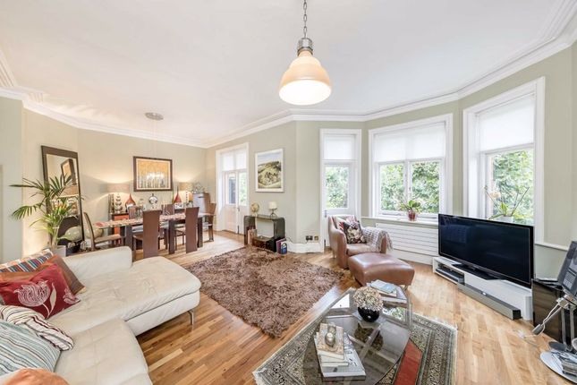 Flat to rent in Lauderdale Road, London