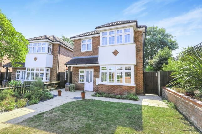 Thumbnail Property for sale in Hitchin Road, Luton, Bedfordshire