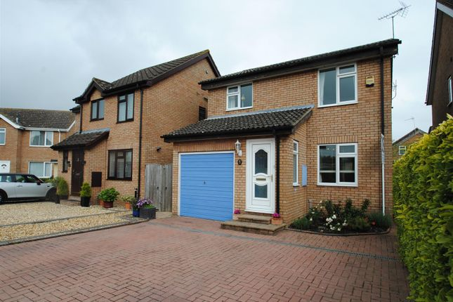 Thumbnail Detached house for sale in Blenheim Gardens, Grove, Wantage