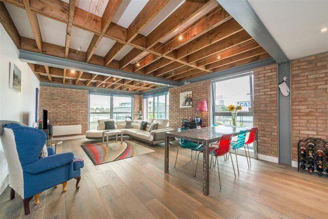 Thumbnail Flat for sale in Stockholm Apartments, Chalk Farm, London
