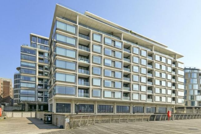 1 bed flat for sale in Landmark Place, Sugar Quay, Tower Hill, London EC3R