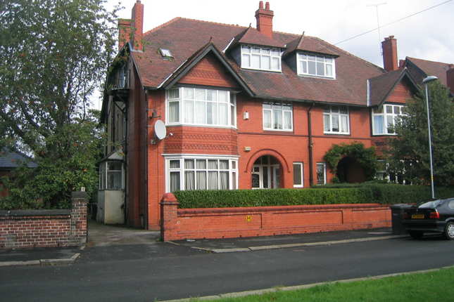 Thumbnail Flat to rent in Old Broadway, Didsbury