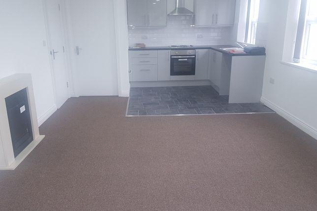 Thumbnail Flat to rent in Pearsons Lane, Bradford