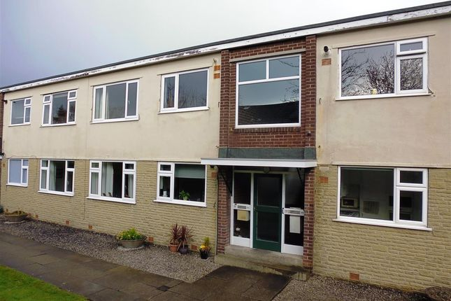2 bed flat to rent in Harvey Clough Road, Sheffield S8