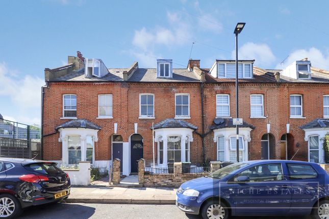 Thumbnail Terraced house to rent in Calverley Grove, London