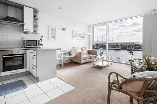 Thumbnail Flat to rent in Capital East, Royal Docks