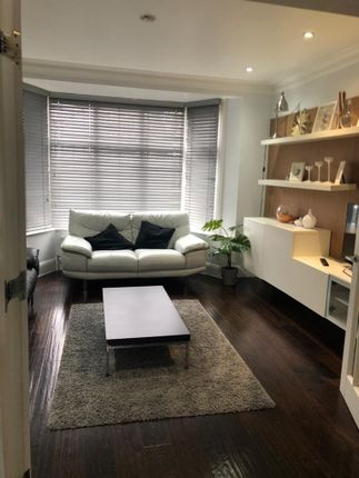 Thumbnail Property to rent in Court Way, London