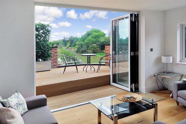 Lounge/Terrace of Timberyard Lane, Lewes, East Sussex BN7