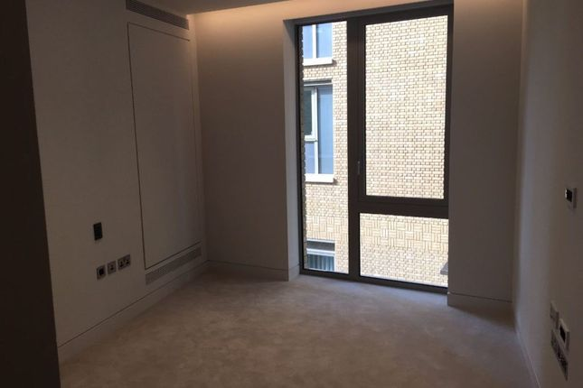 Thumbnail Terraced house to rent in Duchess Walk, London