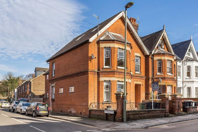 Thumbnail Flat for sale in York Road, Guildford