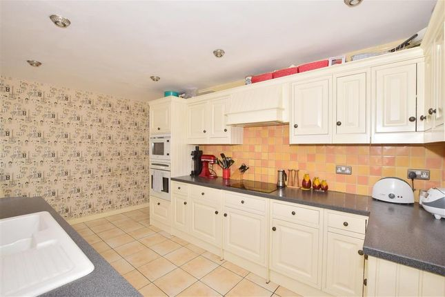 Thumbnail Detached house for sale in West Lane, East Grinstead, West Sussex
