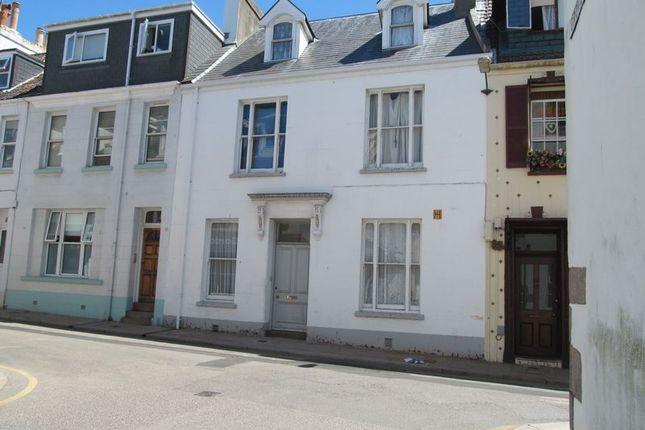 Thumbnail Flat to rent in Halkett Place, St. Helier, Jersey