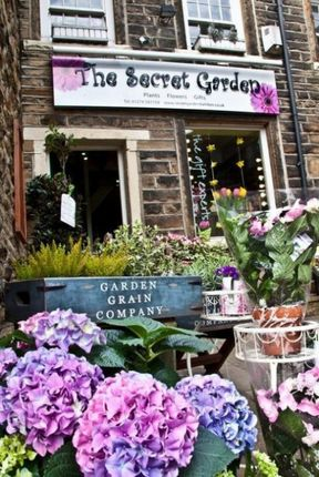 Thumbnail Retail premises for sale in Browgate, Baildon