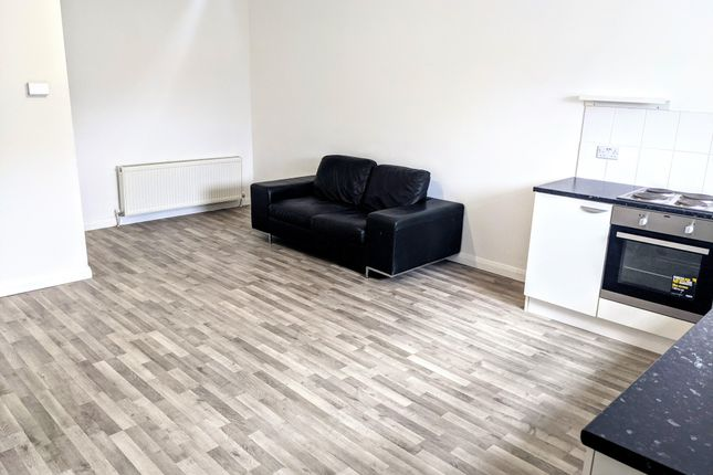 Thumbnail Flat to rent in Llantrisant Road, Graig, Pontypridd