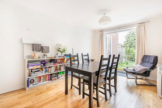 Thumbnail Property to rent in Clarence Avenue, London