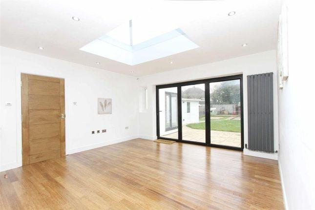 Thumbnail Property to rent in Herlwyn Avenue, Ruislip