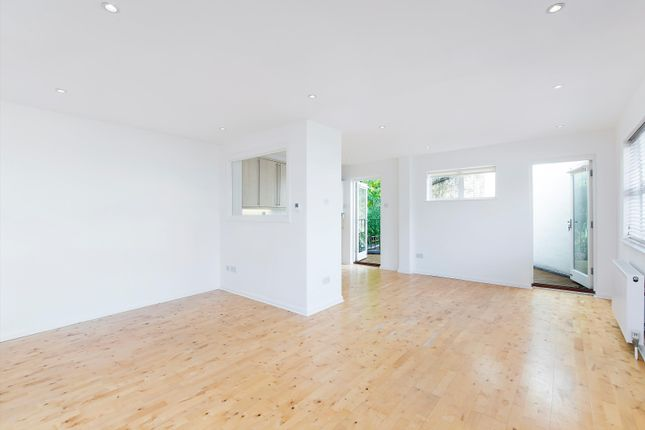 Thumbnail Terraced house to rent in Addison Place, Holland Park, London