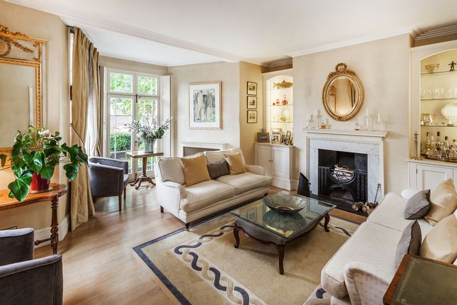 Thumbnail End terrace house for sale in Kew Road, Richmond